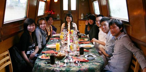 dinneronboat